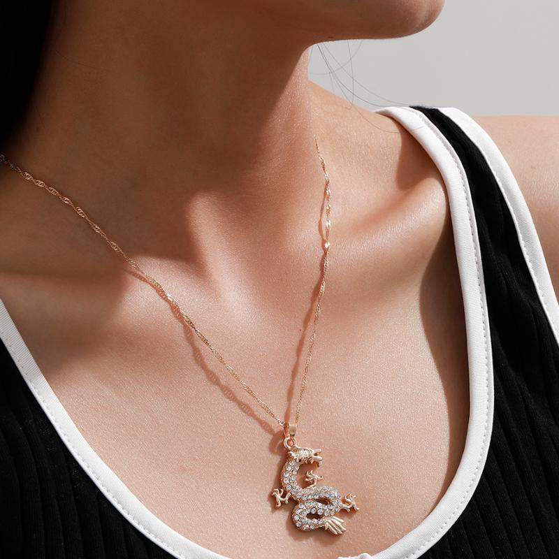 سيدة التنين قلادة قلادة لامعة الأزياء الذهبي مكعب زركونيا التميمة مجوهرات محظوظ رمز القلائد هدية