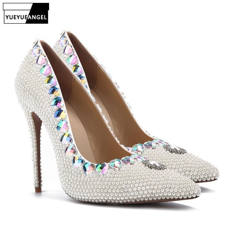 Kadın Elbise Ayakkabı Kalp Şeklinde Kristal Dekorasyon Boncuk Pompaları Sivri Burun Gece Kulübü Düğün Yüksek Topuk için Üzerinde Kayma