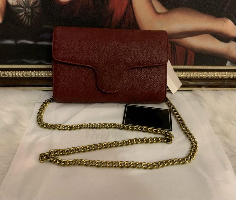 Montones de bolsos de alta calidad para mujer bolsa de cuero de la PU Moda Pequeña cadena de oro Bagv Bolsa de billetera Cross Cuerpo Bolsos Hombro Mensajero Bolsos Crossbody BAGA 21 cm