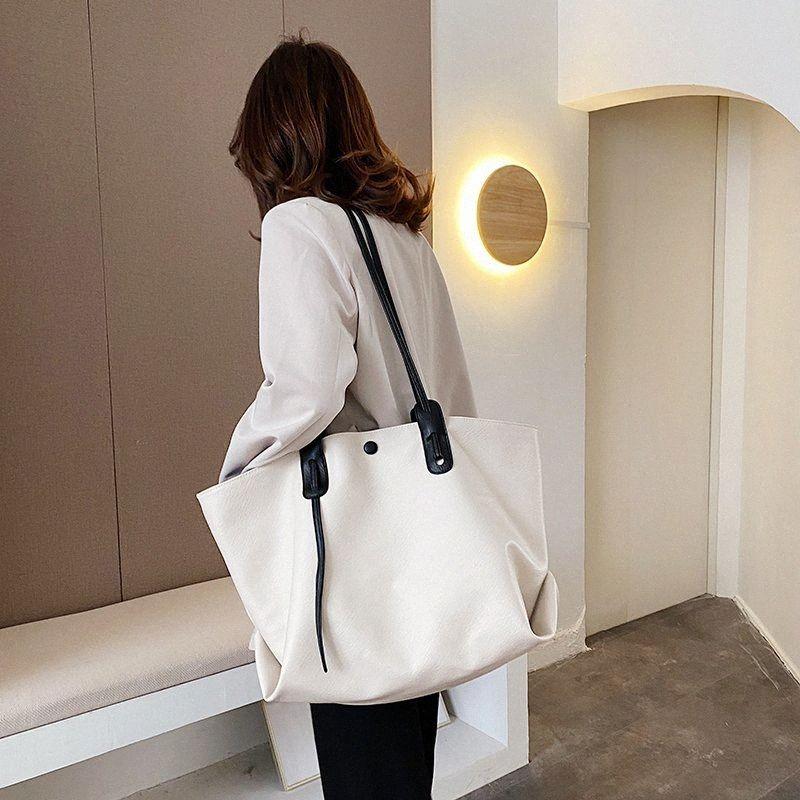 Bolso caliente de las mujeres de lujo 2020 Grandes bolsas de asas grandes de cuero Damas diseñador Crossbody Bag Color Color Forma Messenger Bags Bolsas de libros R5JB #