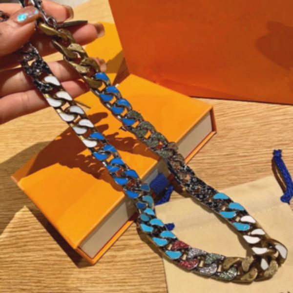 2021 Collier Candy Collier de luxe Design Diamant 316L Titane en acier en titane Engramme Engramme Coloré Chaîne épaisse Liens Patchs Collier 12 Styles