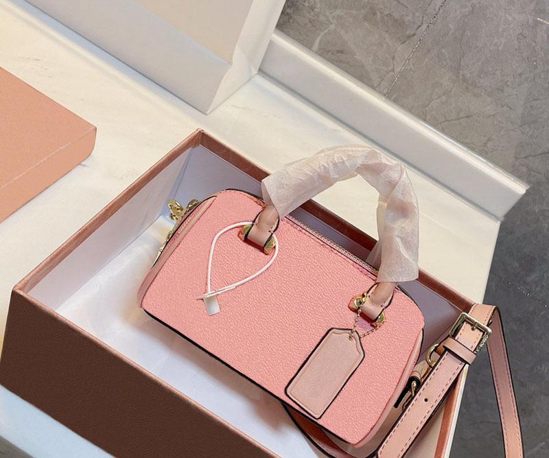 2021 مصمم كتف واحد حقيبة المرأة الأزياء الفاخرة مصغرة حقيبة يد جلدية الكلاسيكية مزاجه أكياس وسادة مع صندوق حجم 18 * 12 سنتيمتر