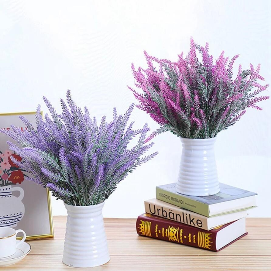5 cabezas / Ramo Provenza Romántica Flor Artificial Púrpura Ramo de lavanda con hojas verdes para la fiesta en casa Decoraciones decorativas