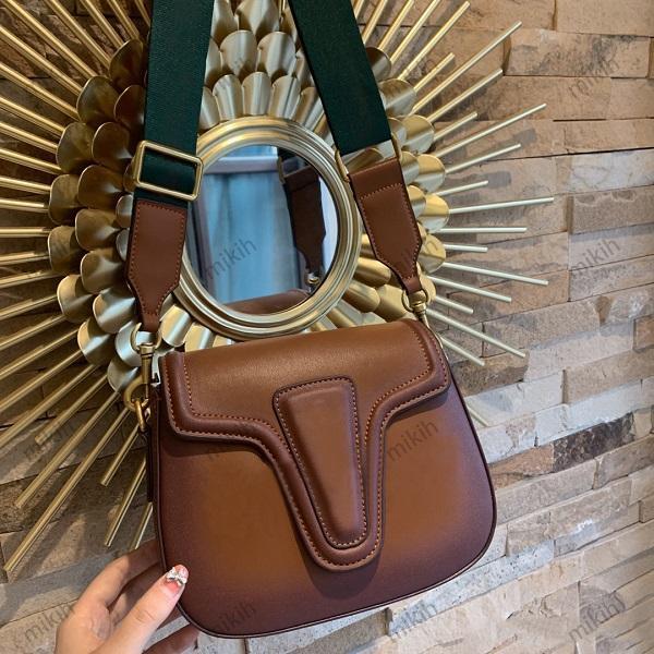 Sac à bandoulière à la mode Top Top Womens Sacs Sacs Simple Sauvage Classic Design Mini 22cm Sac à main de haute qualité Hands