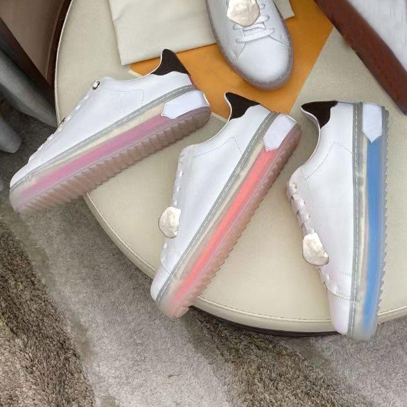 منصة الرجال رياضة عارضة أحذية النساء السفر الجلود الدانتيل متابعة أحذية رياضة 100٪ جلد البقر الأزياء المعادن رسائل سميكة الكريستال أسفل امرأة الأحذية شقة سيدة أحذية رياضية الحجم 35-42-45