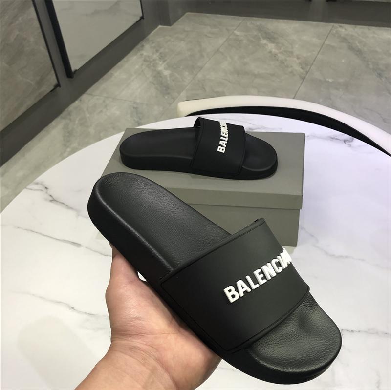 2021 عالية كوالتي رجل إمرأة أحذية الشريحة الصيف الأزياء واسعة النعال شقة الصنادل الوجه بالتخبط مع مربع حجم 36-46