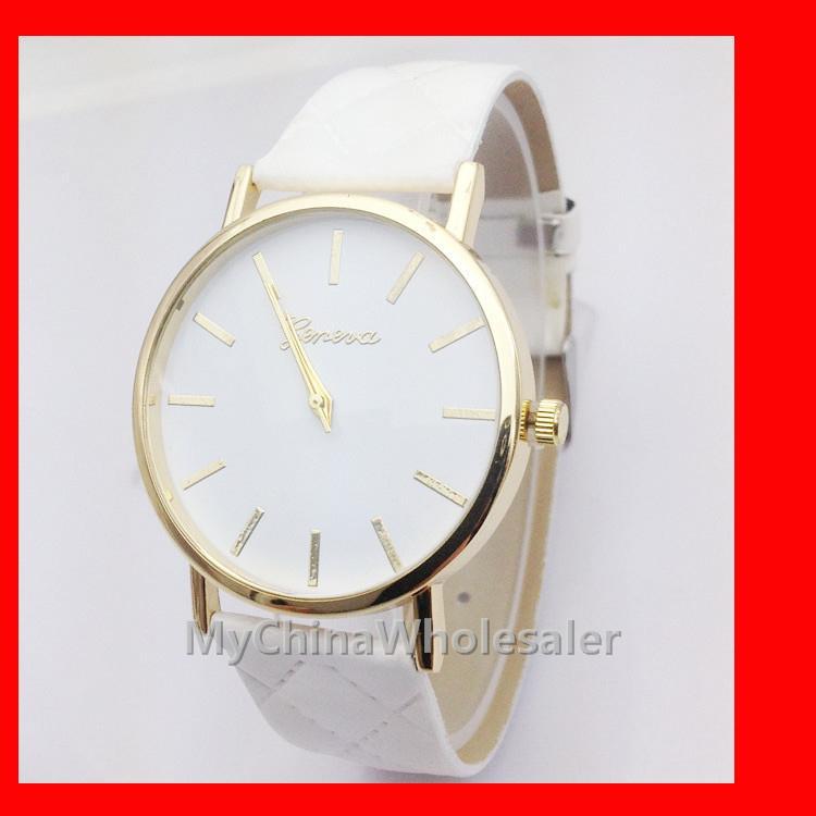 제네바 시계 새로운 아가일 가죽 벨트 세련된 다이아몬드 격자 패션 요소 손목 시계 숫자없이 일반 다이얼 시계 Clock Reloj