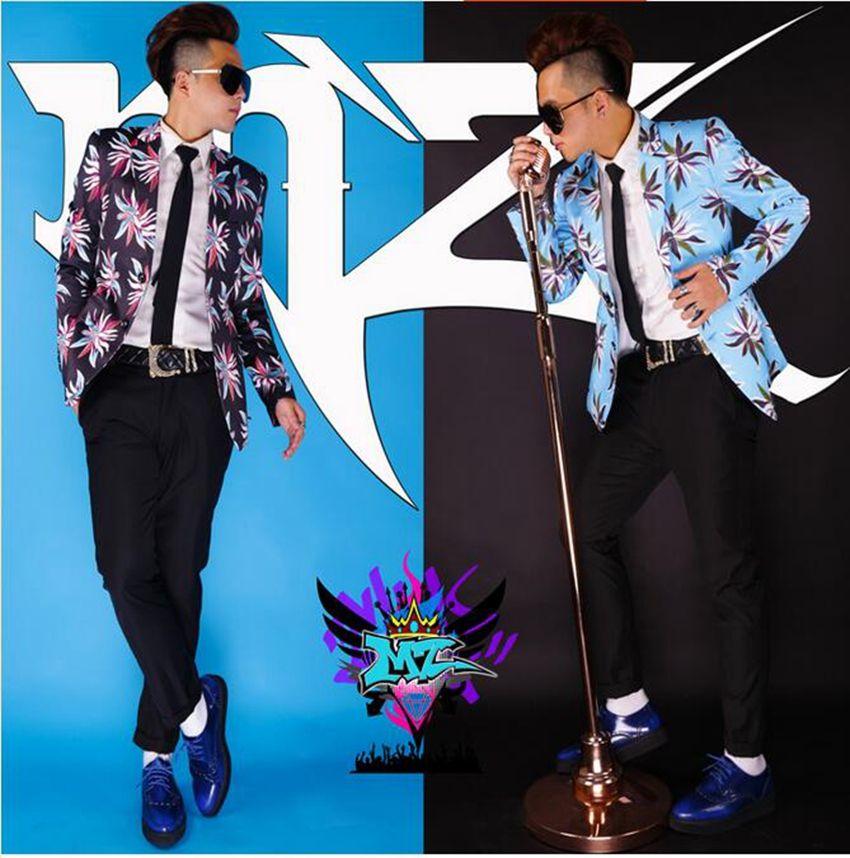 المغني الذكور الأزياء الأوروبية والأمريكية الجديدة ملهى ليلي بدلة سوداء ازياء مرحلة الزهور الزرقاء. S - 6 xl