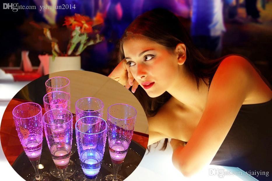 6.8 * 18CM 액체 활성 LED 깜박임 컵 - 세계 - 샷, 깜박임 컵, 깜박이는 컵 주도, 플래시 작은 컵