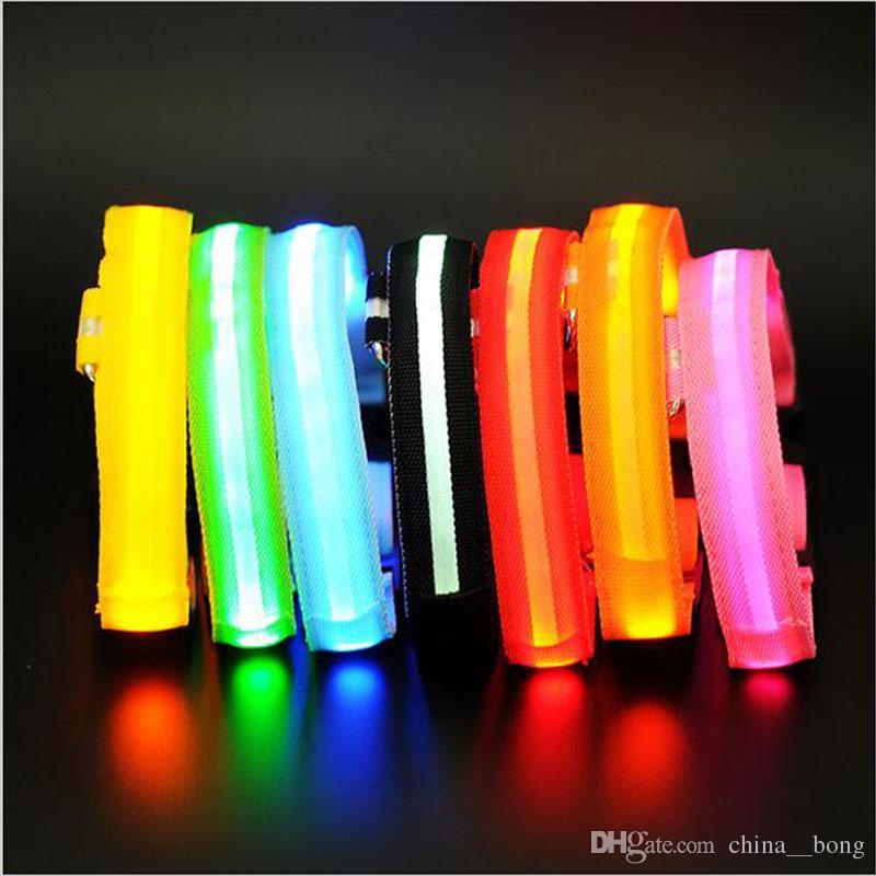7Colors Night Safety Light clignotant Glow Nylon Nylon Pet Collier de chien Petite Chien Moyen-Dog Moyen-Dog Collier de chien Collier de sécurité DHL