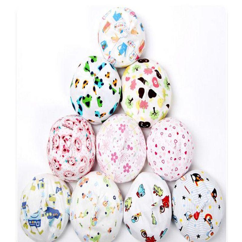 100 шт. новые детские товары применяются к 0-3 месяц новорожденного Cap хлопок мультфильм Hat случайный цвет маленькая крышка