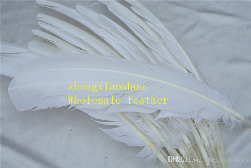 100 unids 12-14 pulgadas (30-35 cm) blanco pluma de pavo pluma redonda para fuente de la fiesta del acontecimiento festivo fuente decoración decoración