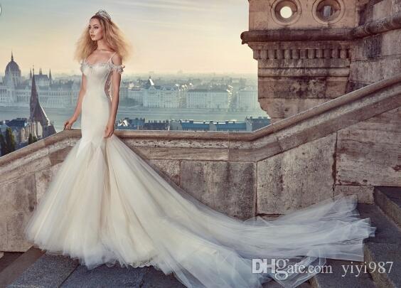 progettista Famouse raso di seta di alta qualità Abiti da sposa sirena sexy di lusso elegante abiti da sposa Spaghetti