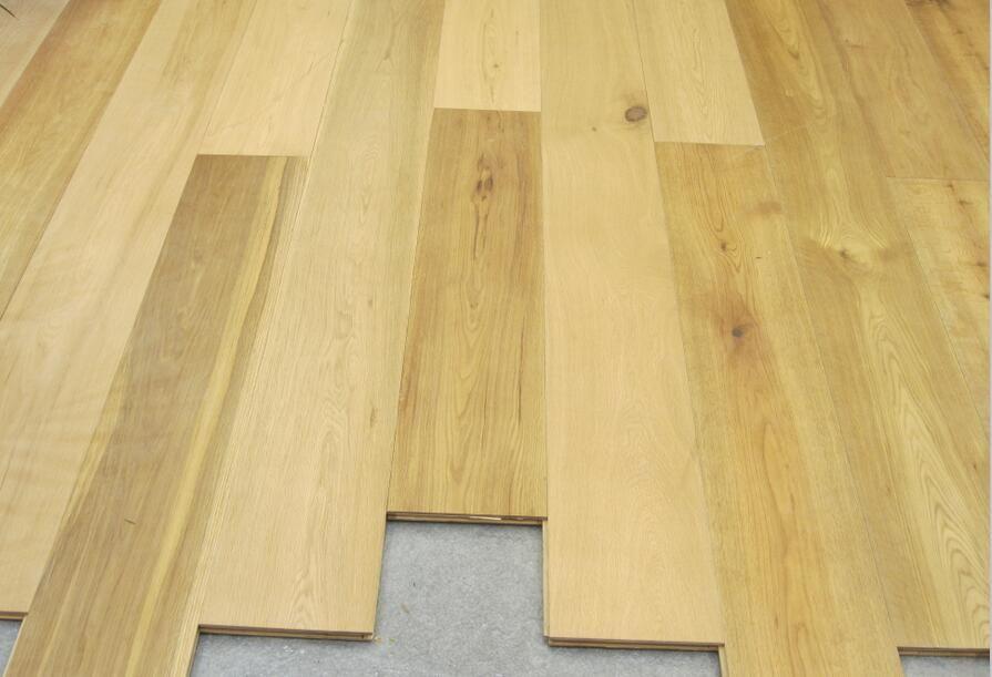 Antique oak wood flooring hardwood multi-layer engineered wide plank furniture finished Large living room European style Simple wooden floor Old Ship