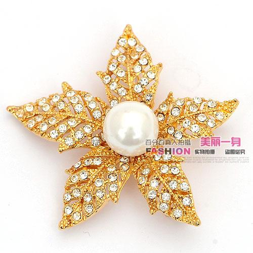 gold inlay crystal pearl Five petal flower men and women chest brooch (50mm*50mm) ming )