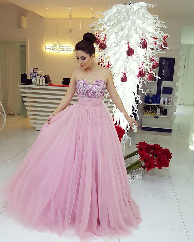 Vestidos rosados de la celebridad 2016 Nancy Ajram princesa una línea vestido de tul bordado con cuentas de barrido tren vestidos de noche vestidos de noche