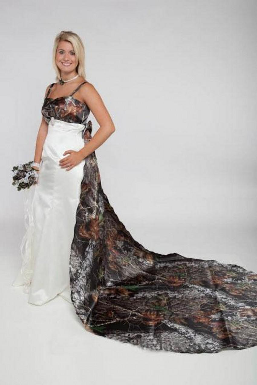2015 Amazing Detachable Chapel Train Camo Forest Wedding Dresses A Line Spaghetti Straps Bridal Wedding Gowns with 3D Flowers