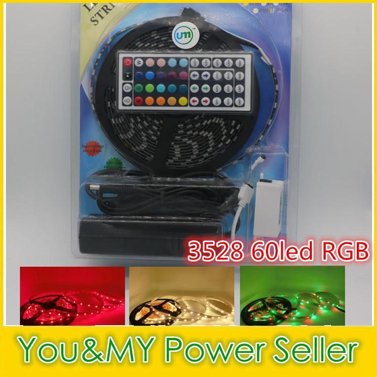 3528 DC12V 60LED / m Bande LED RGB 5M / Rouleau 5M Bande étanche / non imperméable + Télécommande IR 44 touches + Adaptateur 12V 5A