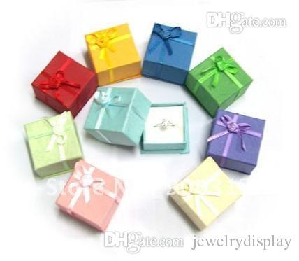 Venta al por mayor 264PCS Cajas de anillo para la exhibición de joyería Caja de regalo de papel Pendientes de boda Organizador Caja de cinta de color mezclado 4 * 4 * 3 cm