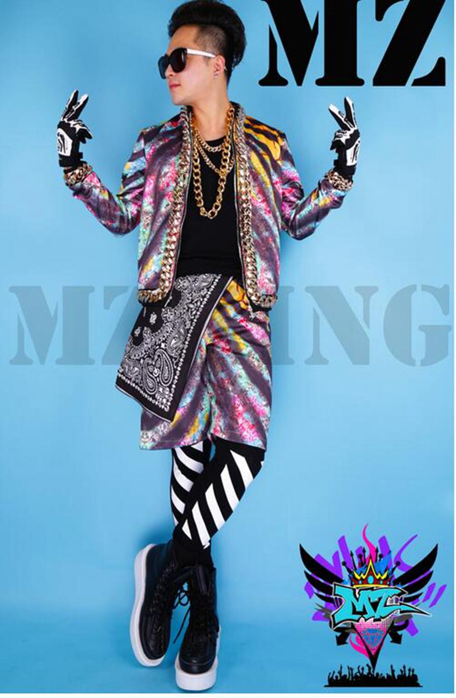 تبدو أندية المغني الذكور في أوروبا والممر مدرجًا على شكل انبهار مطبوع عليها أزياء كبيرة الحجم من سلسلة النمر. S - 6 xl