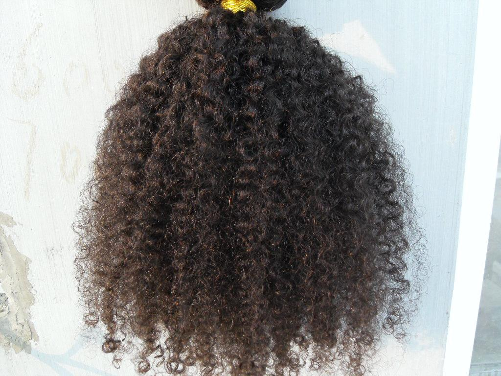 새로운 스타일 브라질 곱슬 머리 weft 클립에 인간의 머리카락 확장 처리되지 않은 자연 블랙 / 갈색 색상 9pcs 1set 아프리카 꼬인 컬
