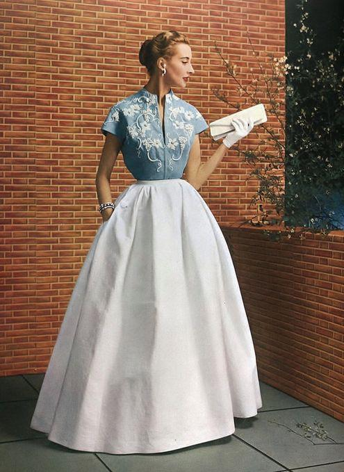 Elegância do vintage 1953 dois tom vestido de noite vestido longo formal azul branco saia cheia de moda estilo foto modelo de impressão revista sati