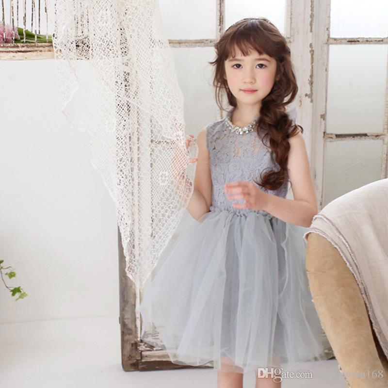 الفتيات في الربيع والصيف فستان الدانتيل عالية العنق بلون بلا أكمام ثوب الأميرة إرسال قلادة