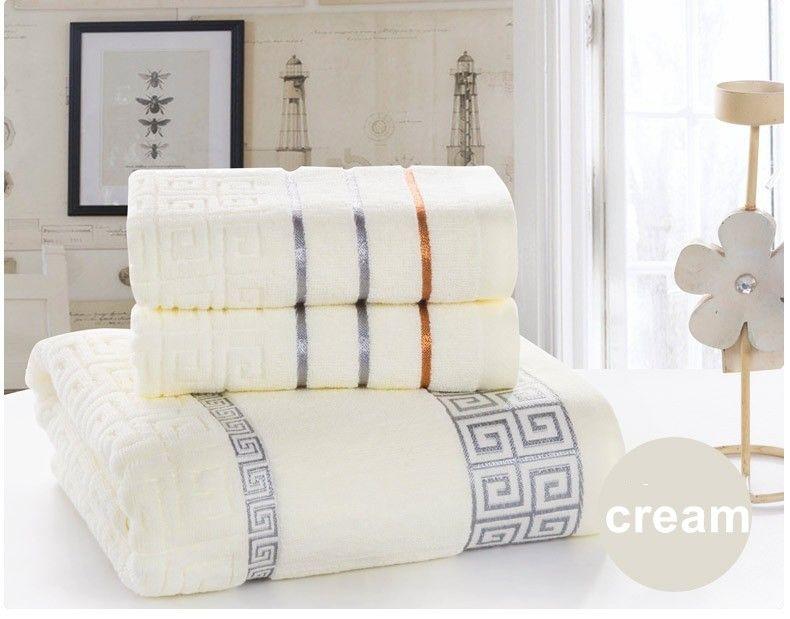 Serviette de bain suspendue Set 100% coton Serviettes de cadeaux 1PC Serviette de bain + 2pcs serviette de visage Home Textile Textile Serviettes de toilette