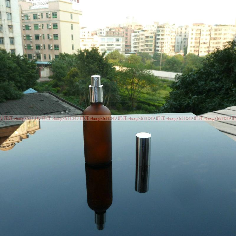 100ml 갈색 젖빛 유리 로션 병 알루미늄 반짝 이는 실버 pump.for 로션과 에센셜 오일. 로션 용기