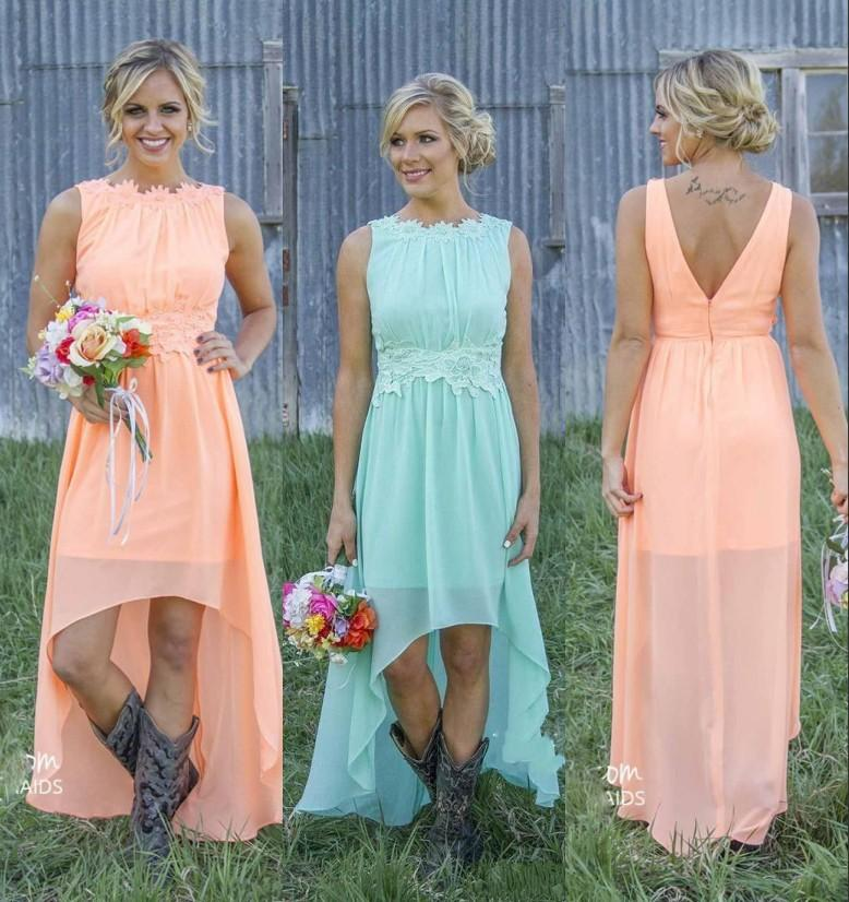 2020 Land Brautjungfernkleider Bateau Backless hohe niedrige Chiffon- Coral Mint Green Beach Trauzeugin Kleid für Hochzeitsfest-Abschlussball Günstige