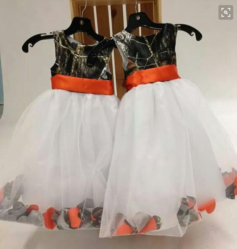 2016 Country Orange Ribbon Sash Camo Flower Girl Dresses With White Organza Kids Formal Party Gowns Floor Length