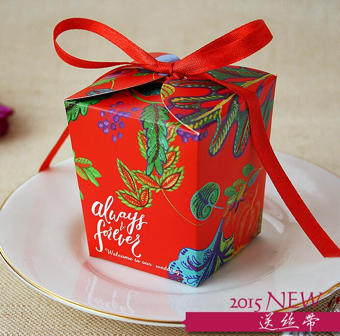 100 unids Nuevo estilo de LA Flor ROJA Caja de Cartón de Boda Cajas de Dulces de la cinta del bowknot Laser Cut Caramelo Cajas de Regalo de Boda Caja de Favor Favor TH120