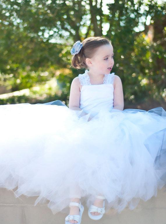 White Toddler Ball Gown Tulle Flower Girl Dresses Criss-cross Back Lace Straps Ruffles Kid's Gowns for Wedding Fairy Pure Flowergirl Dresses