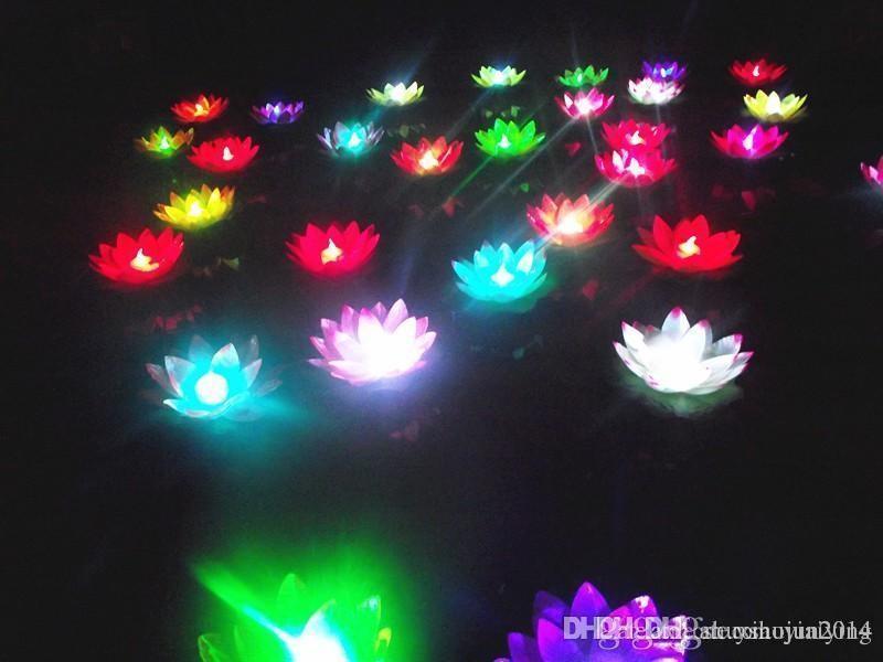19cm LED 비행 랜턴 소원 랜턴 중국어 떠있는 정원 물 / 연못 인공 로터스 꽃 램프 크리스마스 파티 램프를 소원