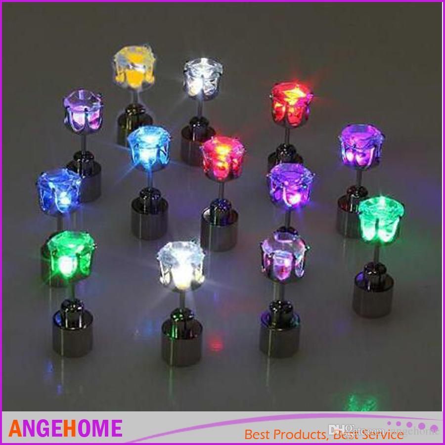 1 stücke Leuchten Led Edelstahl Ohrstecker Glow Ohrringe Dance Party Zubehör LED Leuchtende Ohrring für Weihnachten Neujahr Männer Frauen