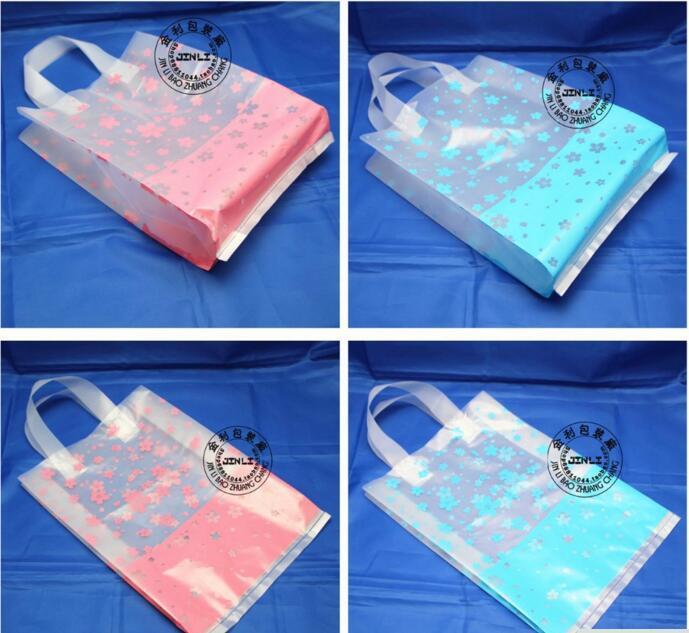 50 pcs 32 * 40 cm sacos de Flores sacos de vestuário presente pacote alça transparente bonito saco de plástico grosso para calças casaco