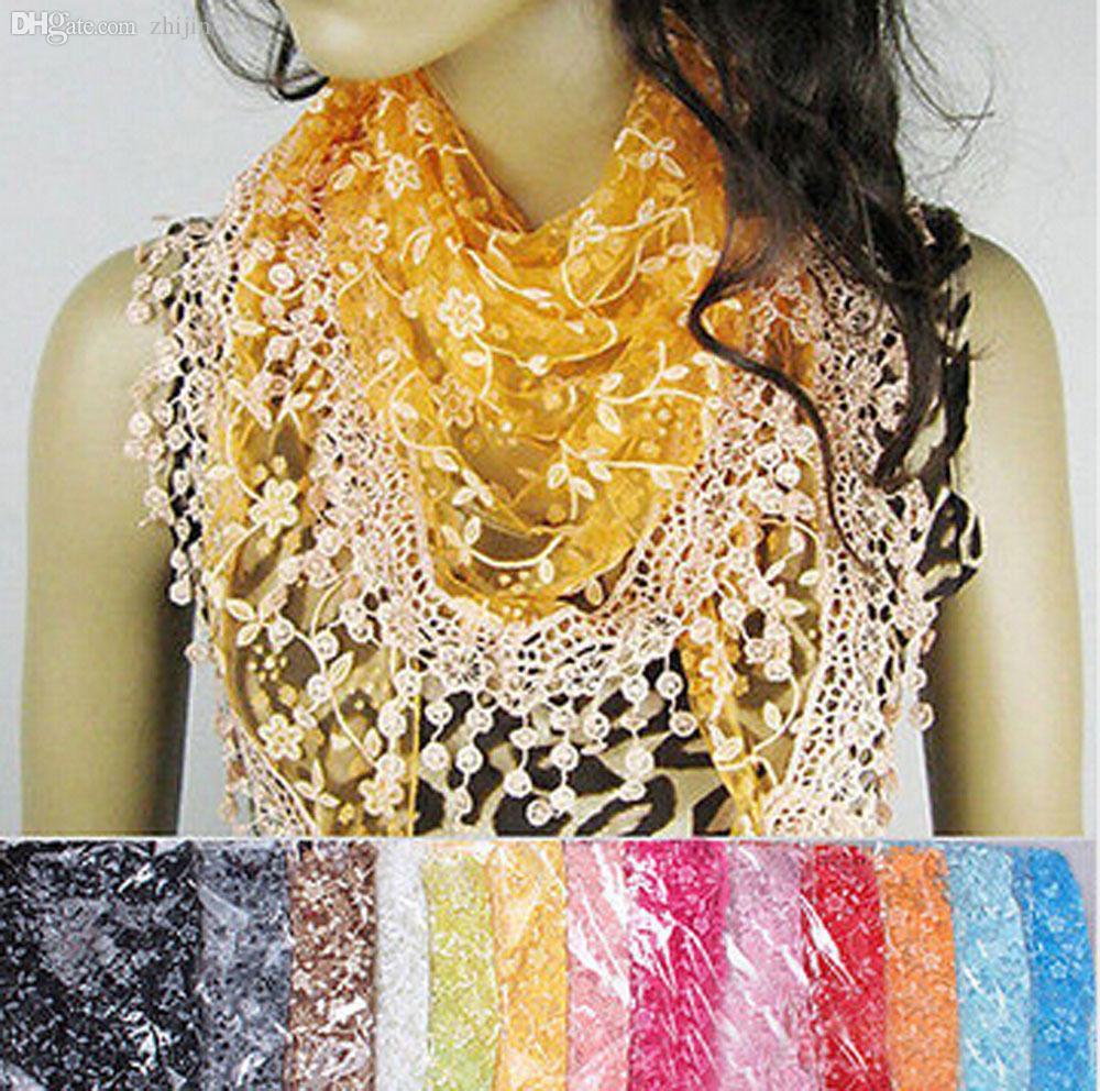 Vente en gros-2015 Écharpe de mode Fantasia Feminina Lace Tassel Knit Mantilla Triangle Creux Charme Châle Wrap Prix En Euros Hijab