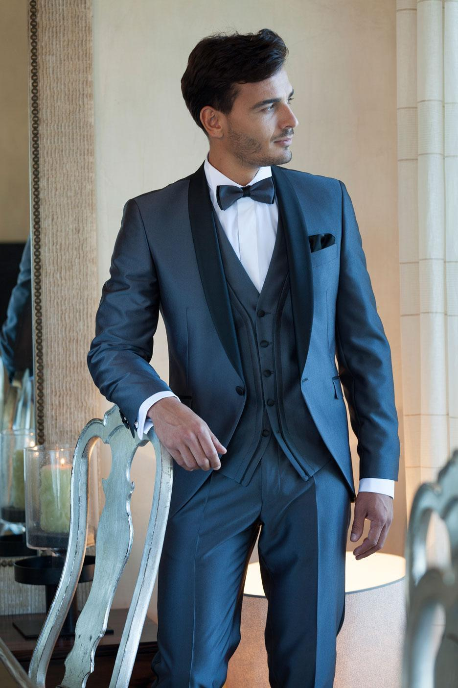 2015 Slim Fit Groom Tuexedos Custom Made Shawl Lapel Groomsmen Men Wedding Suits Prom Tuxedos ( Jacket+Pants+Vest+Tie+Hanky) New Arrival