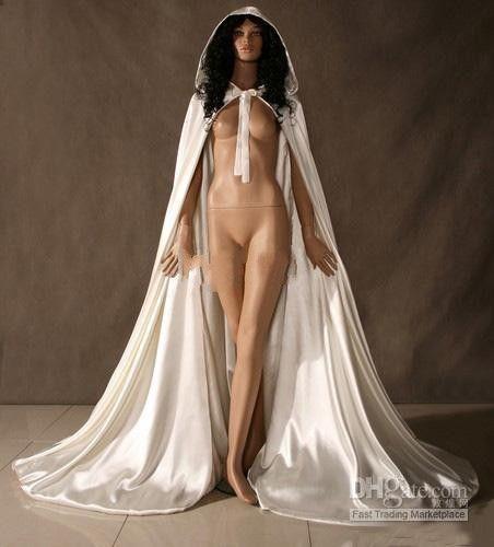 2020 Vendita calda Custom Made New Cheap romantico Cape Bridal Cape Avorio Bianco lungo Mantelli da sposa con satinato Wadding Wraps Wraps Bridal Cloak