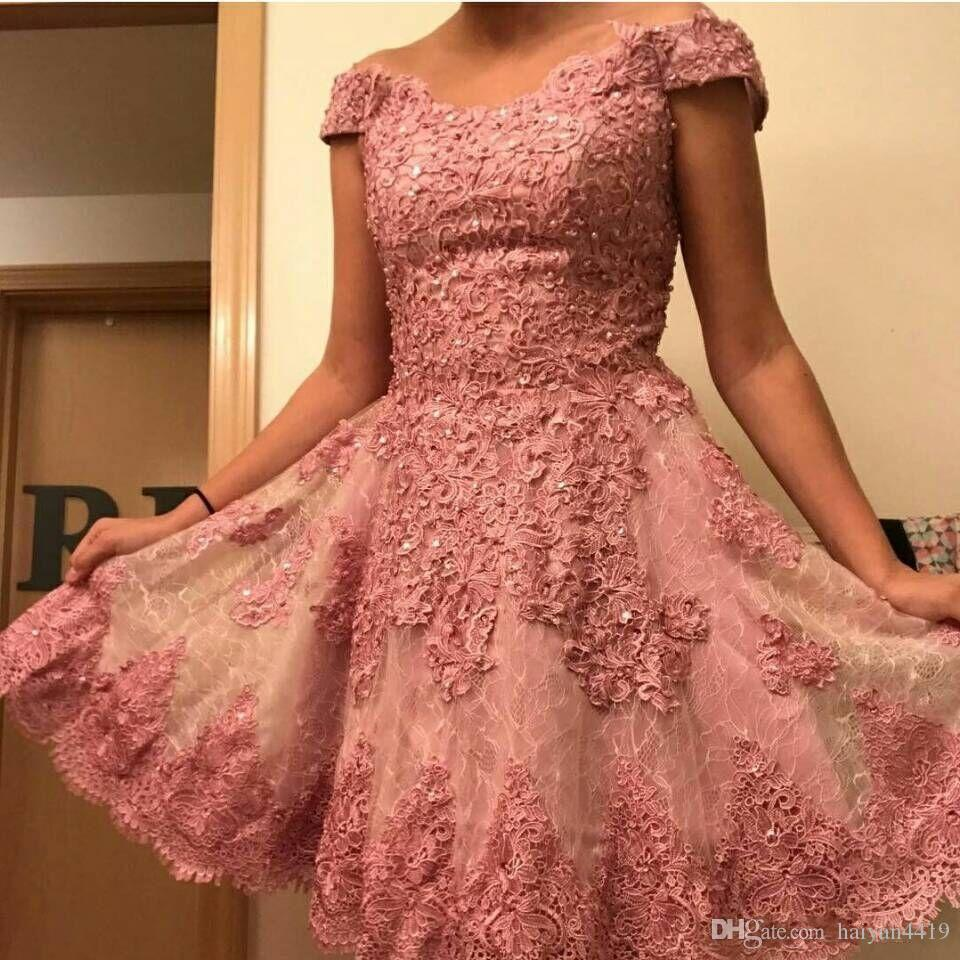 2017 Short Mini Vestidos de cóctel exquisitos Rosa fuera del hombro Apliques de encaje completo Cuentas Perlas Dulce 16 Vestido de fiesta Vestidos de baile personalizados
