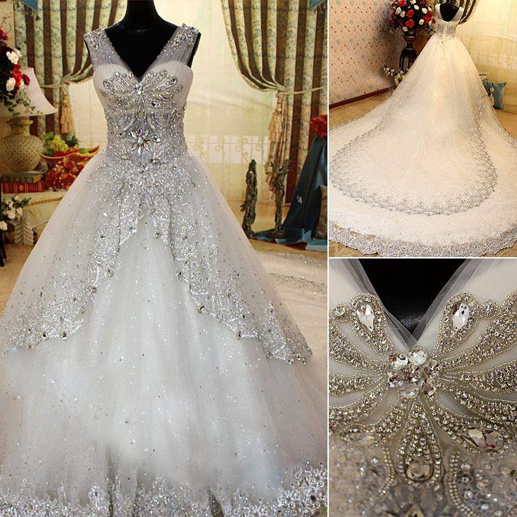 2021 Neueste Luxusbrautkleider mit schierlichen Riemen A-Line V-Ausschnitt Kristall Perlen Perlenkathedrale Zug Brautkleider Kleid für Hochzeit