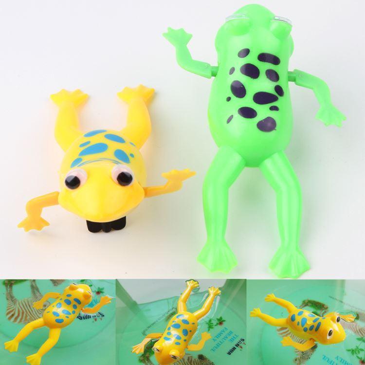 Color al azar Divertido Bebé Niños Juguete de Baño Mecanismo Mecánico Wind Up Plastic Swimming Frog Para la diversión Envío de la gota Toy-0021