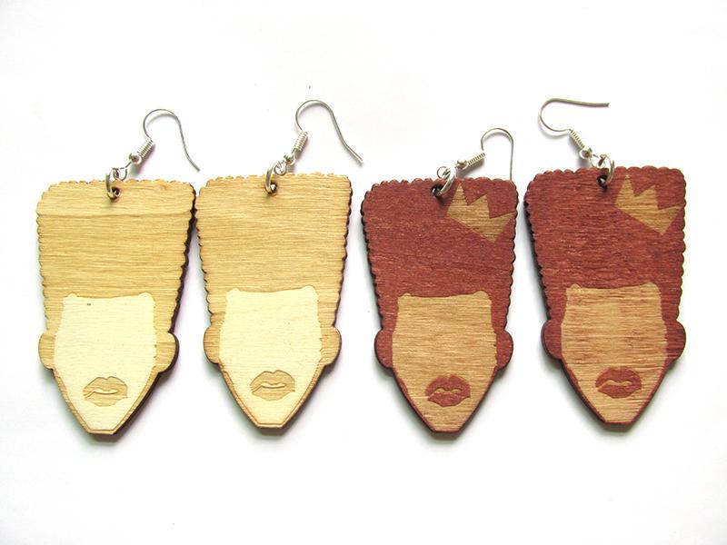 2 Pendientes de madera avialbale Color mujer africana