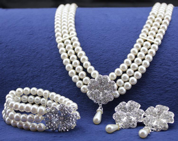 2020 Three Rows Of Pearl Diamond Necklace Bracelets Earrings Jewelry Set Bridal Luxurious Four Clover Leaf Jewelry Sets For Wedding From Wz China 6 64 Dhgate Com