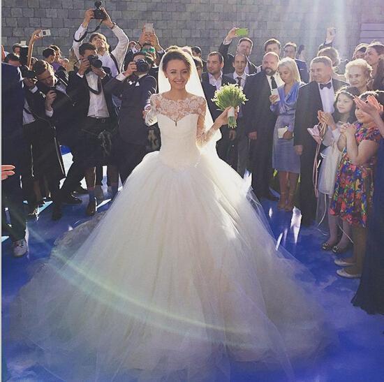 С длинным рукавом свадебные платья 2015 Aline тюль бальное платье Sheer шеи кружева аппликация тюль бисером свадебные платья