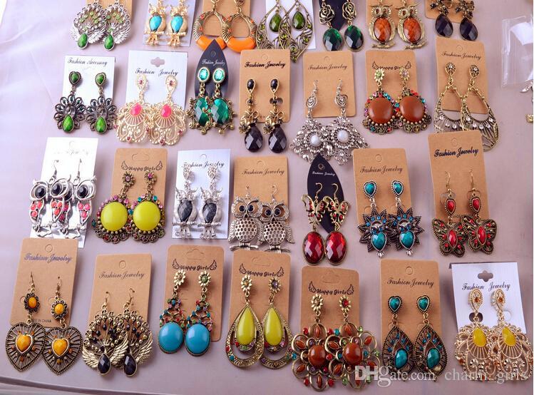 Mélange aléatoire 10 style 10 paires / lot Boucles d'oreilles pendantes en argent / bronze tibétain Vintage résine boucles d'oreilles