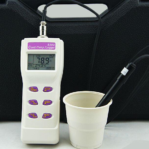 ハンドヘルド導電率メーター温度テスター2IN1メモリー99 IRDAポート8303