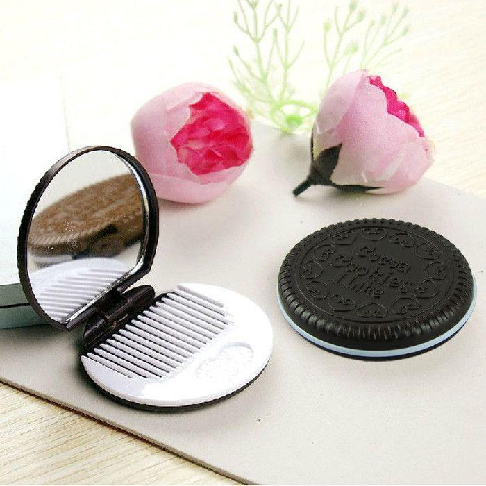 Marrón Lindo Chocolate en forma de galleta Diseño Maquillaje Cosmeti Espejo con 1 Peine Señora Mujeres Maquillaje Herramienta Espejo de bolsillo Oficina en casa Utilice regalos