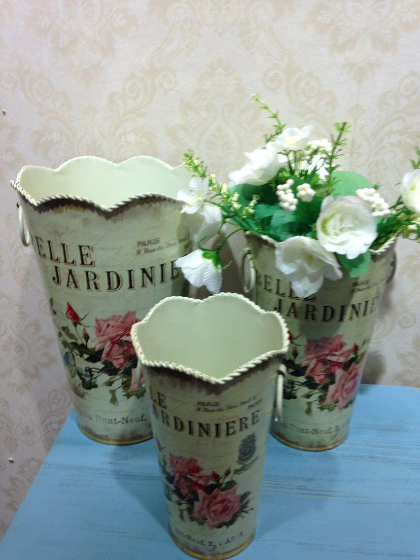 牧歌的な塗られたスリーピースの金属樽の植木鉢花瓶のスタイリッシュなモダンな家具金属花瓶の花樽