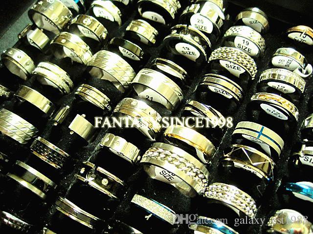 Nuovi 100pcs / lot mescolare gli stili differenti migliori anelli di nozze monili dell'acciaio inossidabile di modo Stock degli uomini delle donne